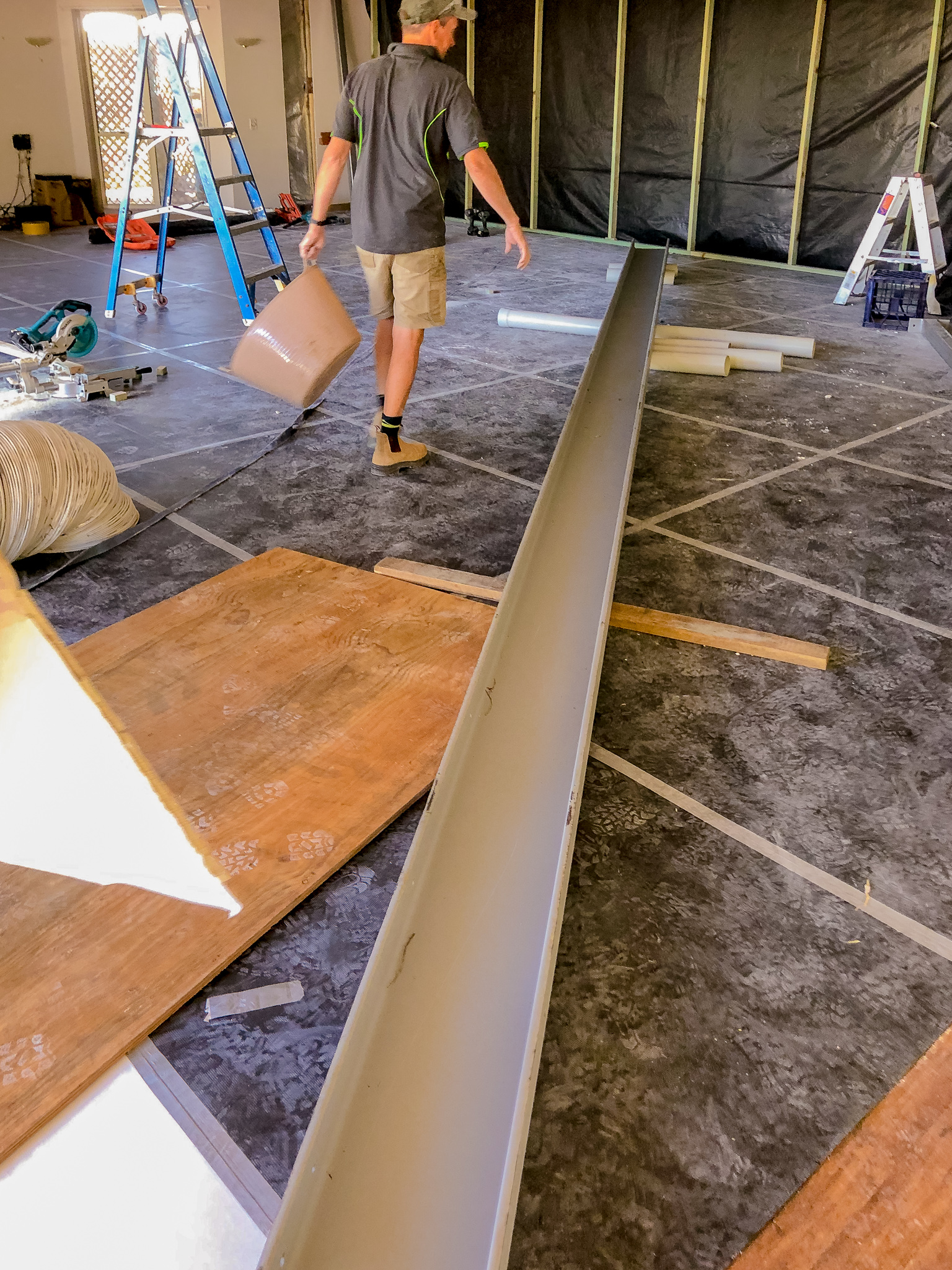 Aged-Care-Construction-Tradespeople-Steel-Beam-Queensland-Tradie